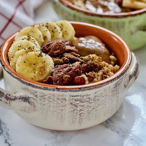 Pressure cooker cinnamon banana crunch steel cut oats