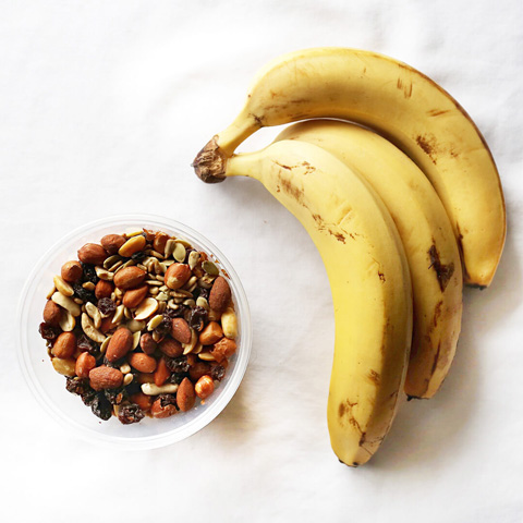 Trail mix with banana
